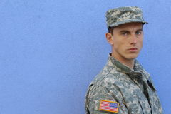 Militair leger ernstig taai Kaukasisch mannetje stock foto's