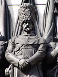 Militair op het gedenkteken van de Oorlog in Londen Stock Fotografie