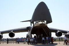 Militair vervoervliegtuig c-5 Melkweg. Stock Afbeeldingen