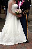 Militaire Bruid en Bruidegom Stock Foto's
