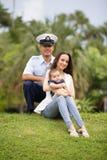 Militaire familie in het park Stock Fotografie