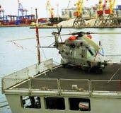 Militaire helikopter, op het schip Stock Foto