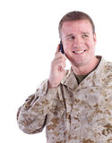 Militaire Mens met de Telefoon van de Cel Stock Foto's
