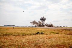 Militaire SANDF toont bij een vliegveld royalty-vrije stock afbeeldingen