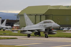 Militaire vliegtuigen, eurofighter, tyfoon op de baan Royalty-vrije Stock Afbeelding