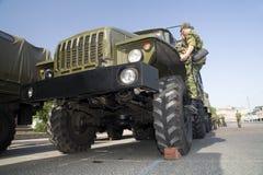 Militaire vrachtwagen stock foto's