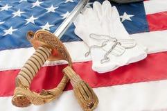 Militaire zwaard en handschoenen royalty-vrije stock afbeeldingen