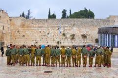 Militairen bij de Loeiende Muur, Jeruzalem Israël Royalty-vrije Stock Afbeeldingen