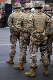 Militairen bij de Militaire parade Stock Foto