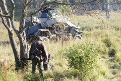 Militairen in het bos Stock Afbeeldingen