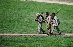 Militairen het lopen Stock Afbeelding