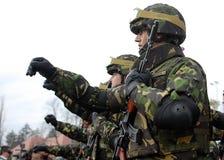 Militairen het Marcheren Royalty-vrije Stock Foto