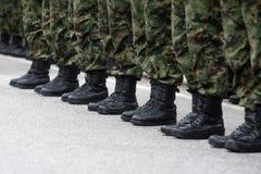 Militairen in lijn Royalty-vrije Stock Foto's