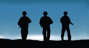 Militairen op de prestaties van de gevechtsopdracht Stock Foto's