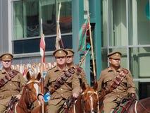 Militaires à cheval dans le défilé Edmonton Alberta de KDays Image stock