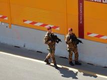 Militaires chez le Colosseum Image libre de droits