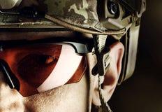 Militar no capacete e nos vidros Imagens de Stock Royalty Free