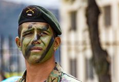 Militares ecuatorianos en desfile Fotos de archivo libres de regalías