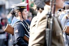 Militares italianos durante una ceremonia Fotos de archivo