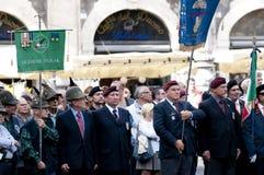 Militari italiani durante la cerimonia Immagini Stock Libere da Diritti