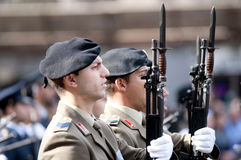 Militari italiani durante la cerimonia Fotografia Stock