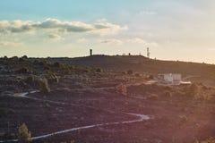 Militarna baza przy górą przy zmierzchu czasem, Izrael, Samaria obrazy stock