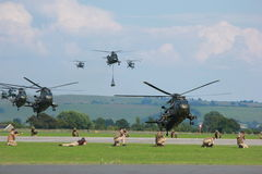 Militarni helikoptery na manewrach Obrazy Stock