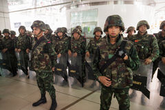 Militarny żołnierz ściany bloking Obraz Stock