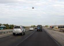 Militarny helikopter na autostrady ` Don ` Zdjęcia Stock