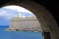 Militarny pillbox & wierza, Valletta schronienie, Malta Obraz Royalty Free