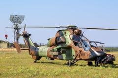 Militarny Tiget śmigłowiec szturmowy w trawie Nancy baza powietrzna fotografia royalty free