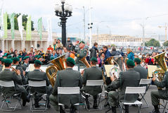 Militarny zespół Tirol wykonuje w Moskwa (Austria) Obrazy Stock