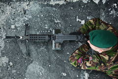 Military, army and all things related. 59 Independent Commando Squadron Royal Engineers (59 Cdo RE). British soldier with machine gun ready to shoot Royalty Free Stock Photography