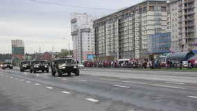 Military cars going through the city, Hummers, infantry, Russian army. Russian army, special car transports Battle Tank stock video