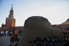 Military equipment of Second World War shown on the Red Square in Moscow stock photography