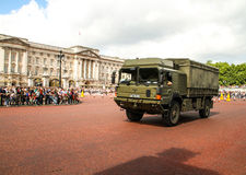 Military vehicule, Buckingham Palace in London. Royalty Free Stock Photo