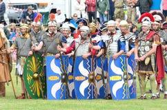 Militär tatuering COLCHESTER ESSEX UK 8 Juli 2014: Romerska soldater Arkivbild