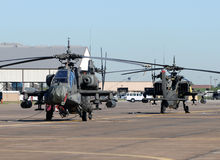 Militära attackhelikoptrar Fotografering för Bildbyråer
