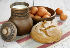 Milk, bread and eggs Royalty Free Stock Photos