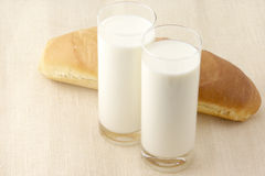 Milk and bun Royalty Free Stock Photography