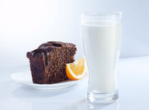 Milk and cake Royalty Free Stock Photography