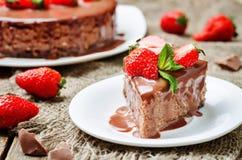 Free Milk Chocolate Cheesecake With Milk Chocolate Icing And Strawber Royalty Free Stock Photo - 70856775