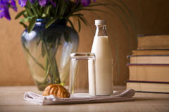 Milk and croissant Royalty Free Stock Photography