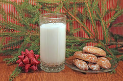 Milk and gingerbread for Santa Royalty Free Stock Photo