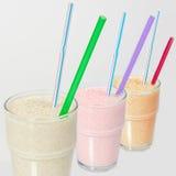 Milk shake com uma palha em um glass6 Imagens de Stock