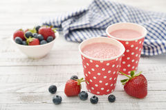 Milk shake with fresh berries Royalty Free Stock Images