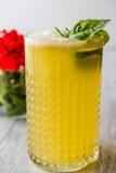 Milk shake persa do açafrão com folhas da manjericão Imagens de Stock