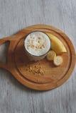 Milkshake с бананом стоковое изображение rf