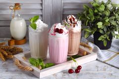 Milkshake avec la crème fouettée Photographie stock libre de droits