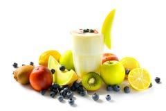 Milkshake con las frutas Fotografía de archivo